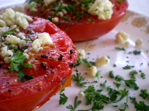 broiled tomatoes with blue cheese